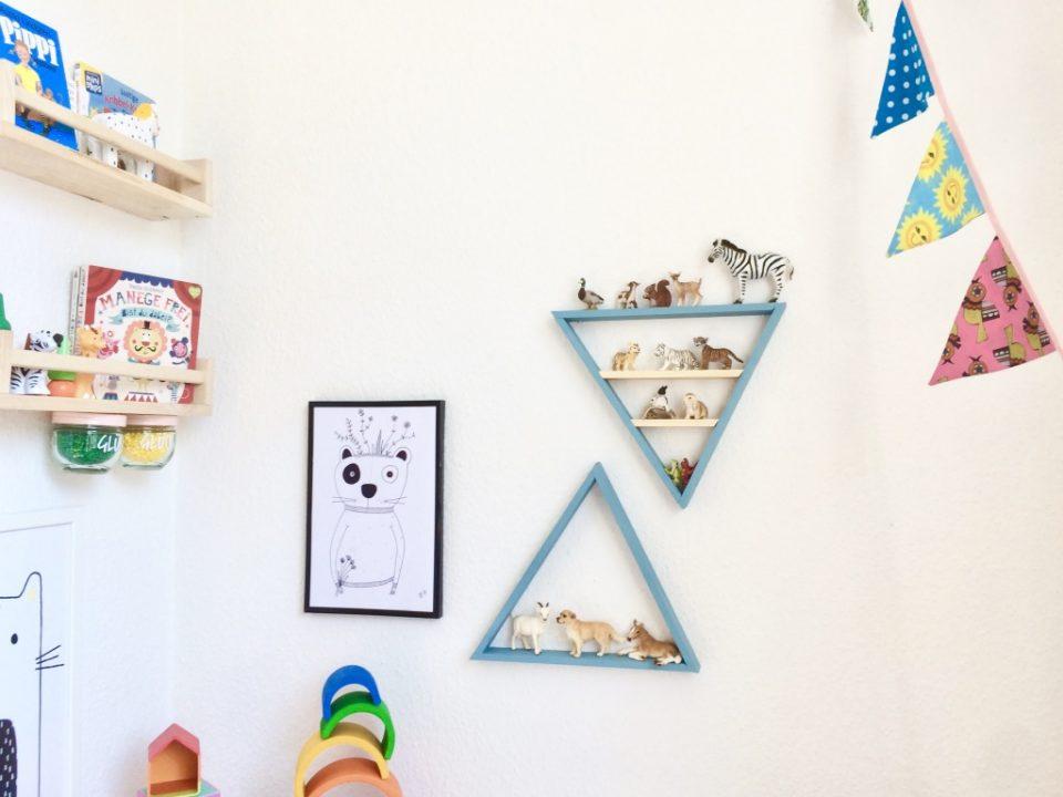 Kinderzimmer Dreiecks-Regal selber bauen mit RUST-OLEUM ...